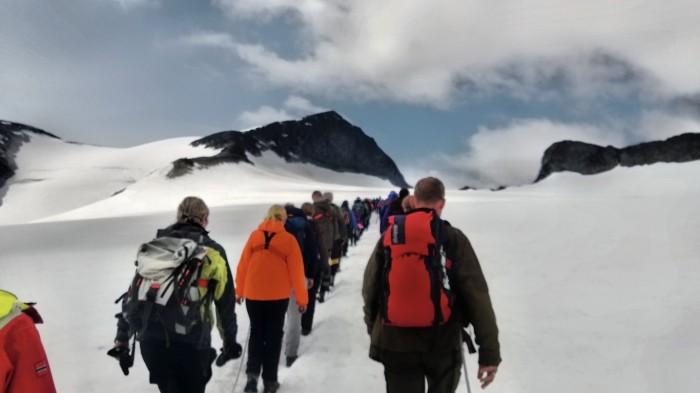På rad og rekke over Styggebreen