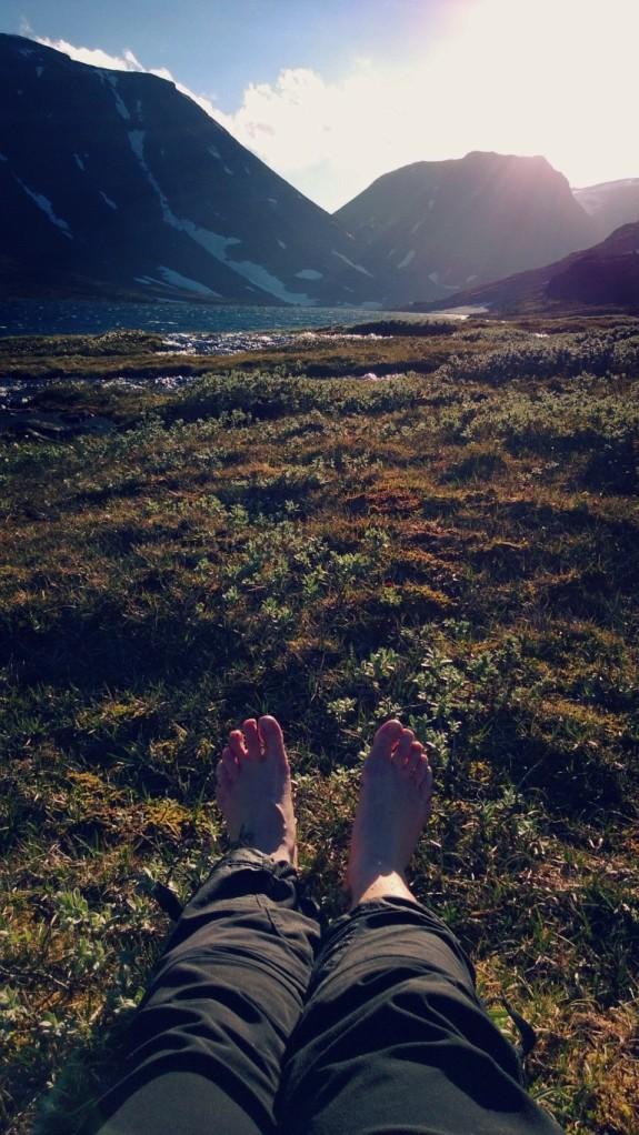 Soltørke føtter etter vassing