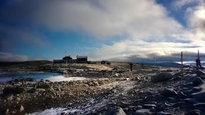 Snøheim i morgenlys