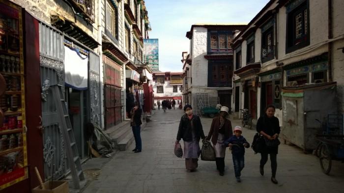 Lhasas gater