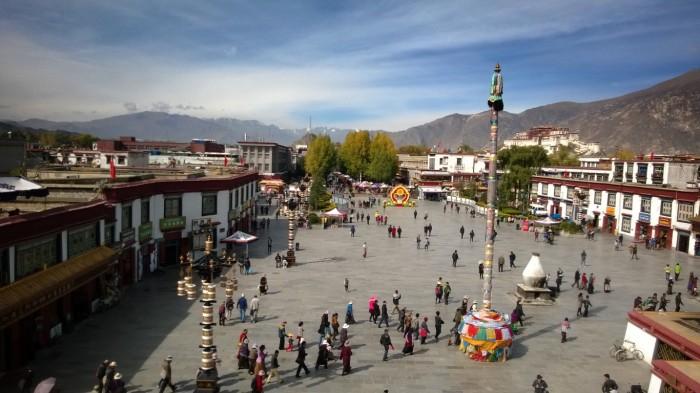 Utsikt fra taket av Jokhang tempel