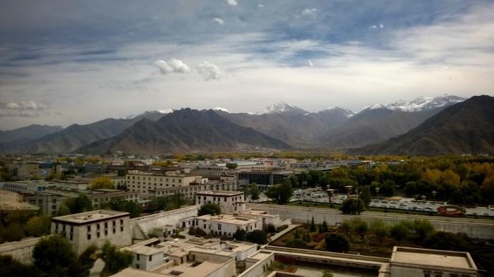 Utsikt over Lhasa fra Potala Palasset