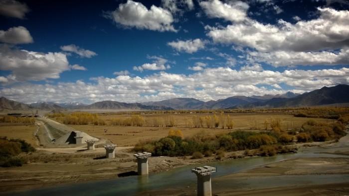 Kina bygger den rakeste jernbanetrasé jeg har sett.