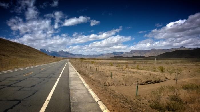 Tørt ørkenlandskap