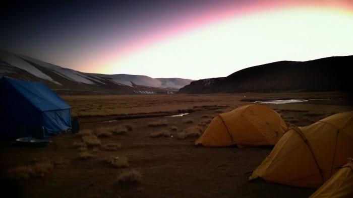 Solnedgang i campen