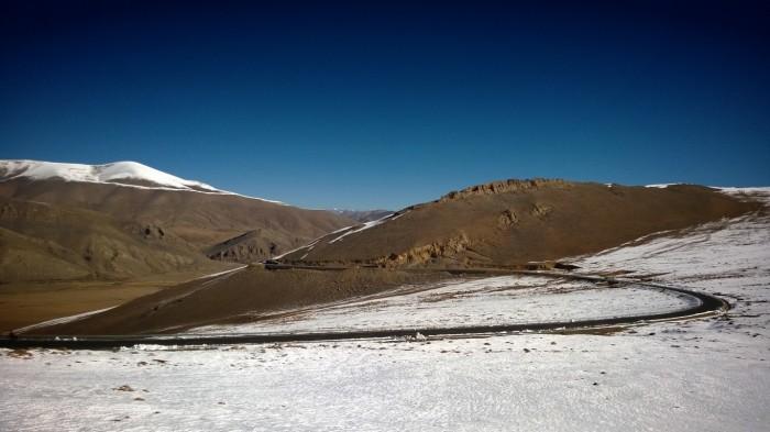 Opp langs Lalung-La pass