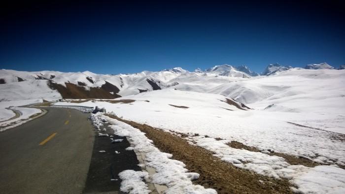 8000 meters fjell og bitende kaldt