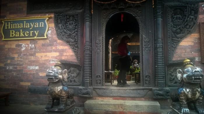 Bhaktapur er kjent for trekunsten, spesielt rundt vinduer og dører