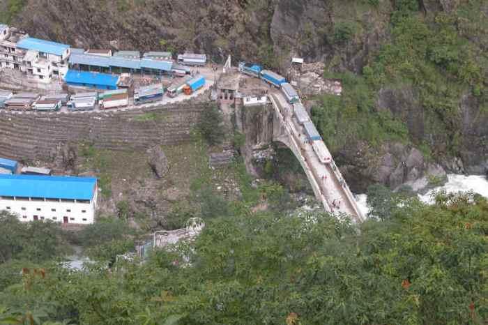 Grensen og bren, bilde fra www.paxgaea.com