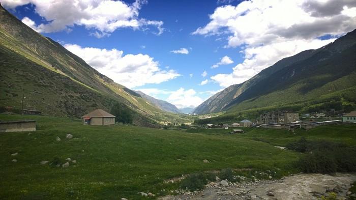 Utsikt over Baksan dalen
