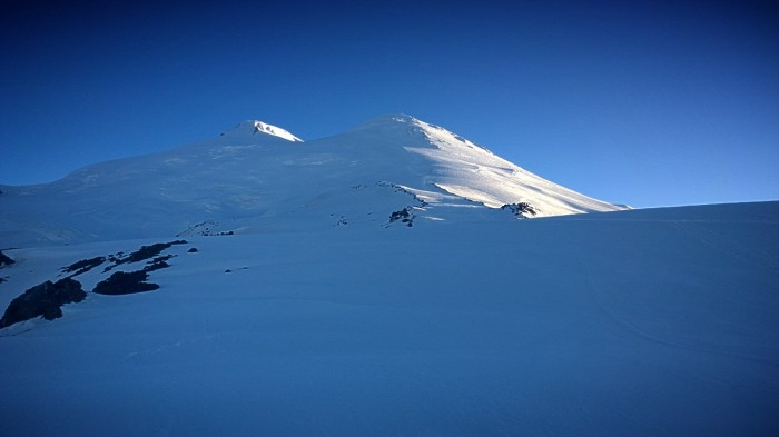 Tidlig morgensol over Elbrus