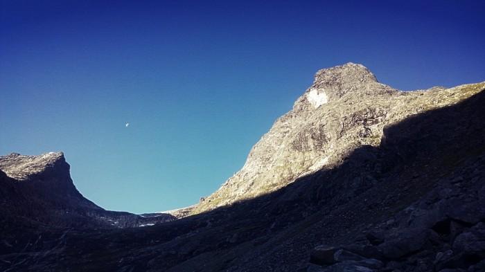 Romsdalshorn i morgensolen