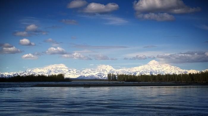Utsikt til Alaska range fra Talkeetna river